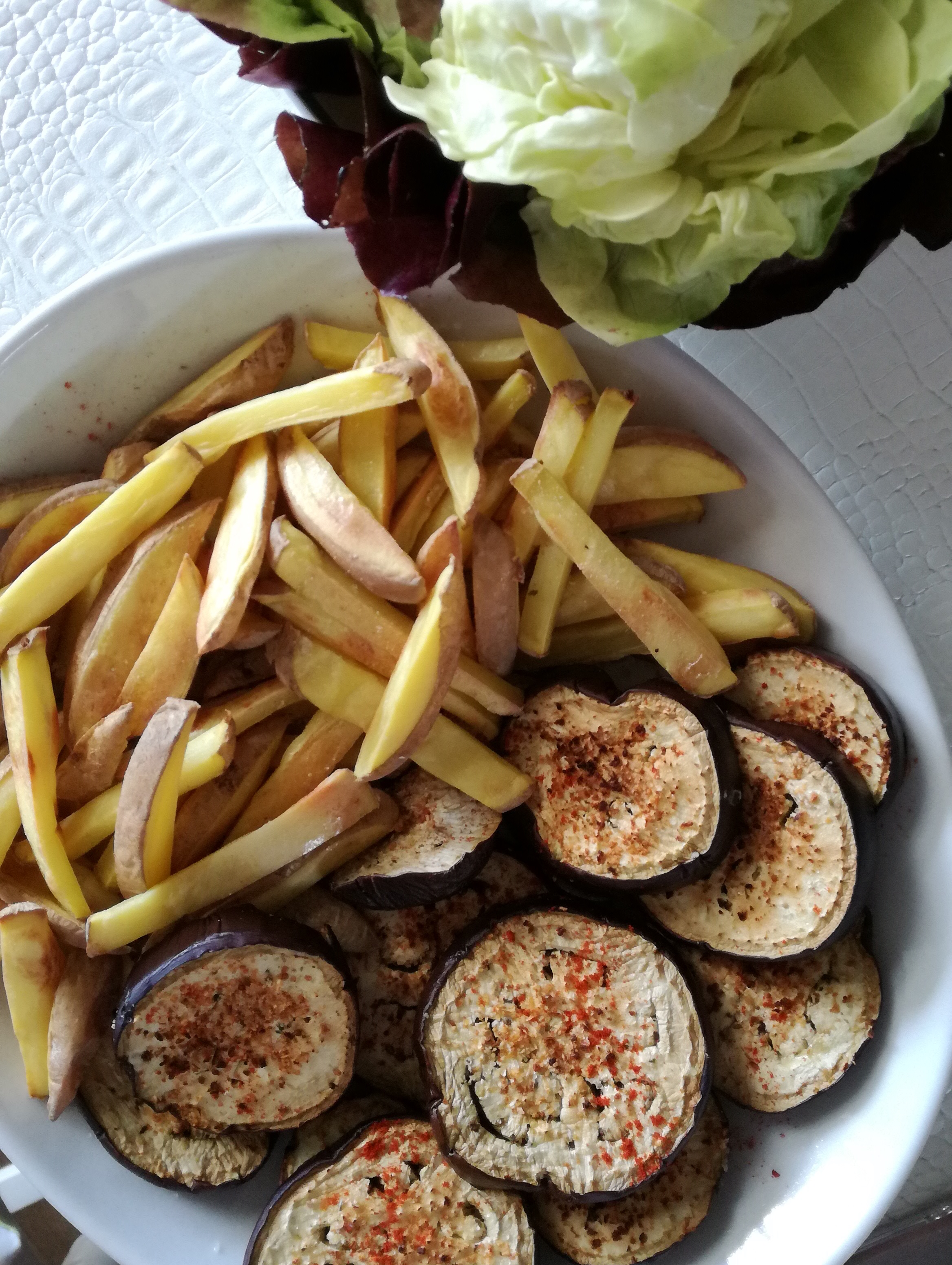 frites sans gras et aubergine grillées vegan et sans gluten médical médium compatible