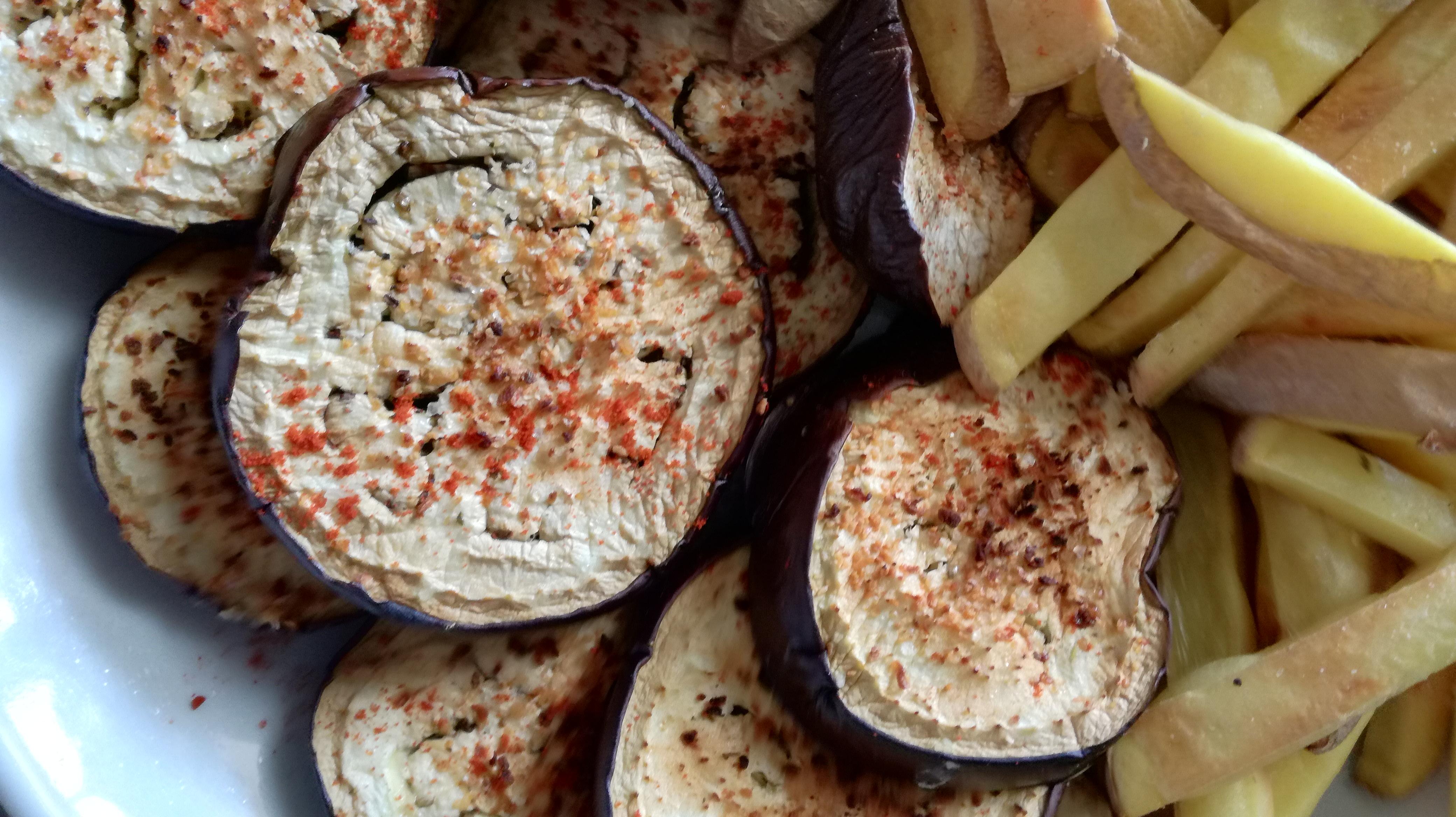 zoom frites au four sans gras et aubergine grillées vegan et sans gluten médical médium compatible