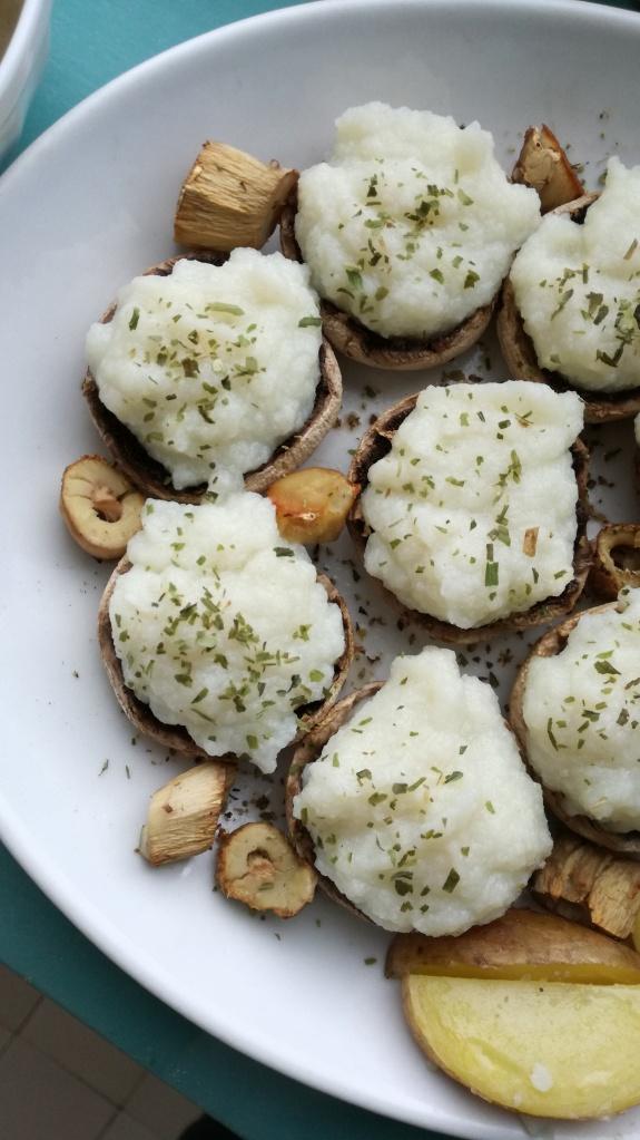 zoom champignons farcis à la purée de chou-fleur vegan et sans gluten médical médium compatible
