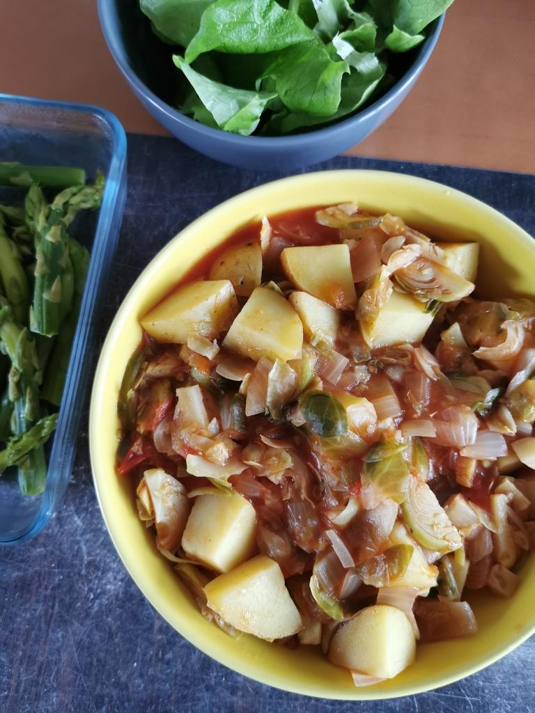 plat de choux de Bruxelles en sauce tomate vegan et sans gluten médical médium compatible