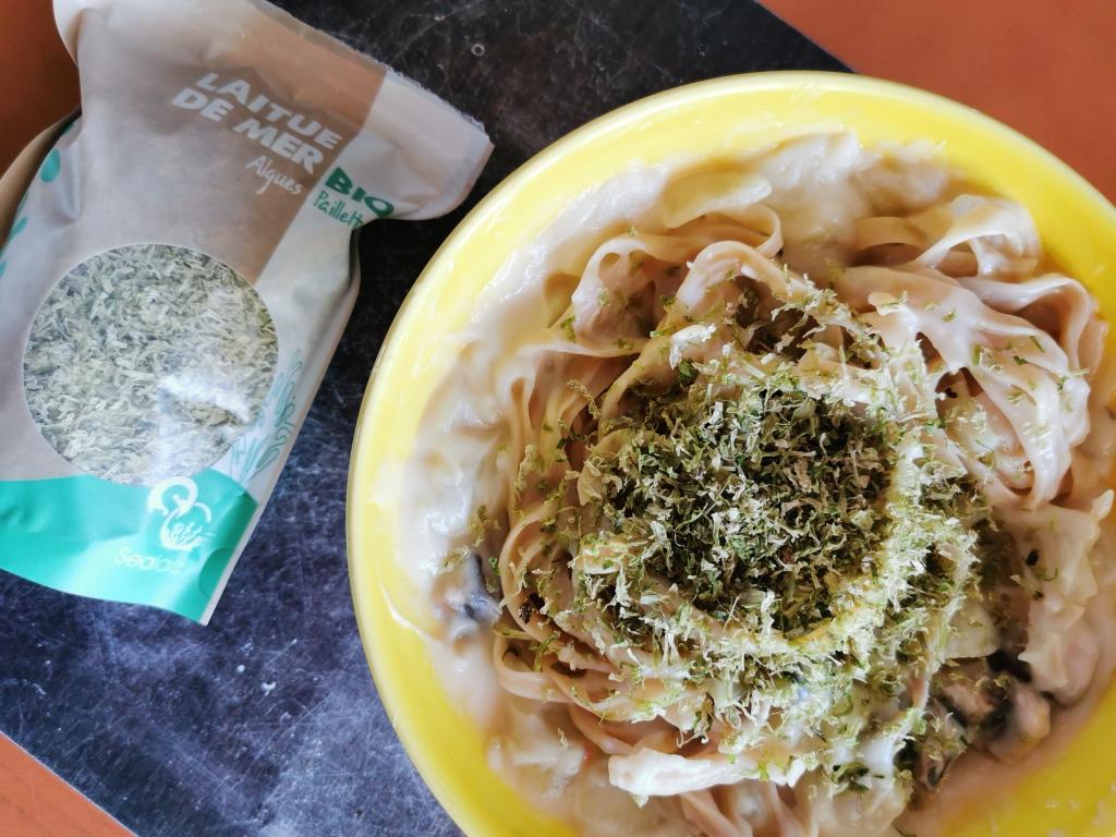 zoom tagliatelles à la crème de chou-fleur et laitue de mer vegan et sans gluten médical médium compatible