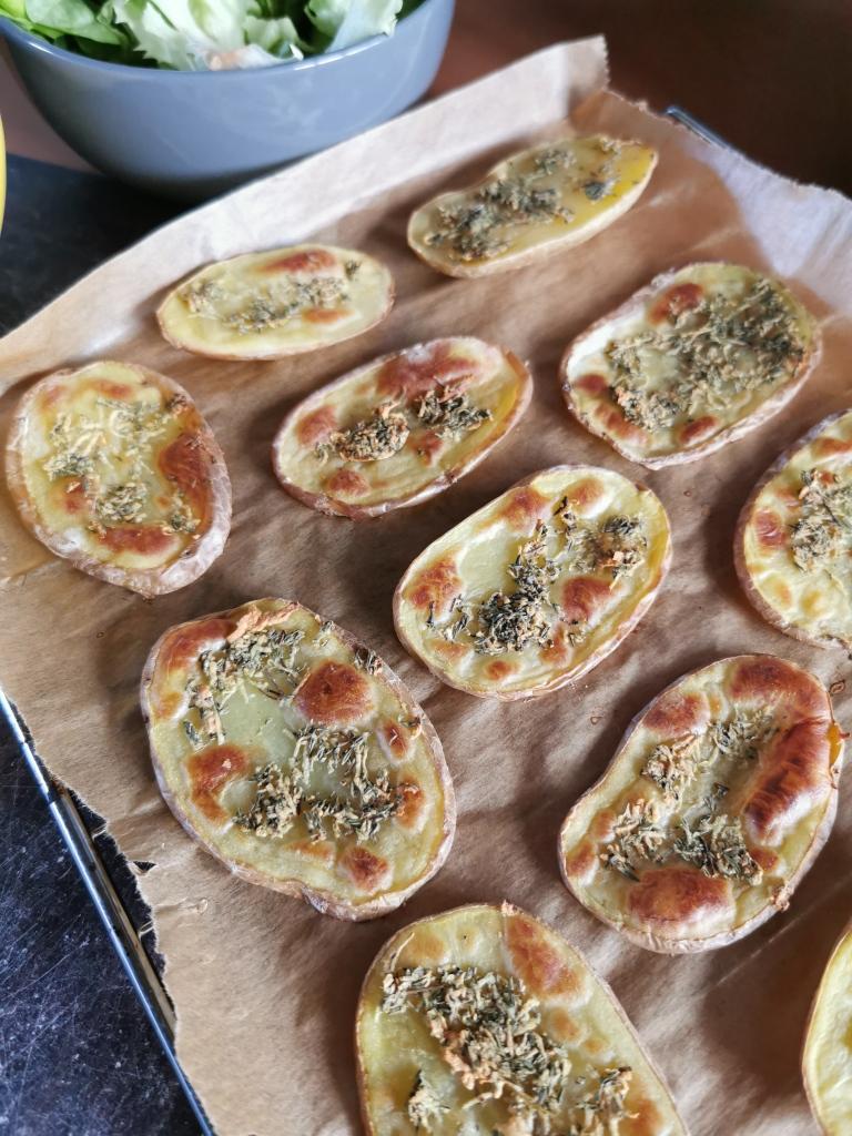 zoom toast de pommes de terre rôties à l'ail et au thym vegan et sans gluten médical médium compatible