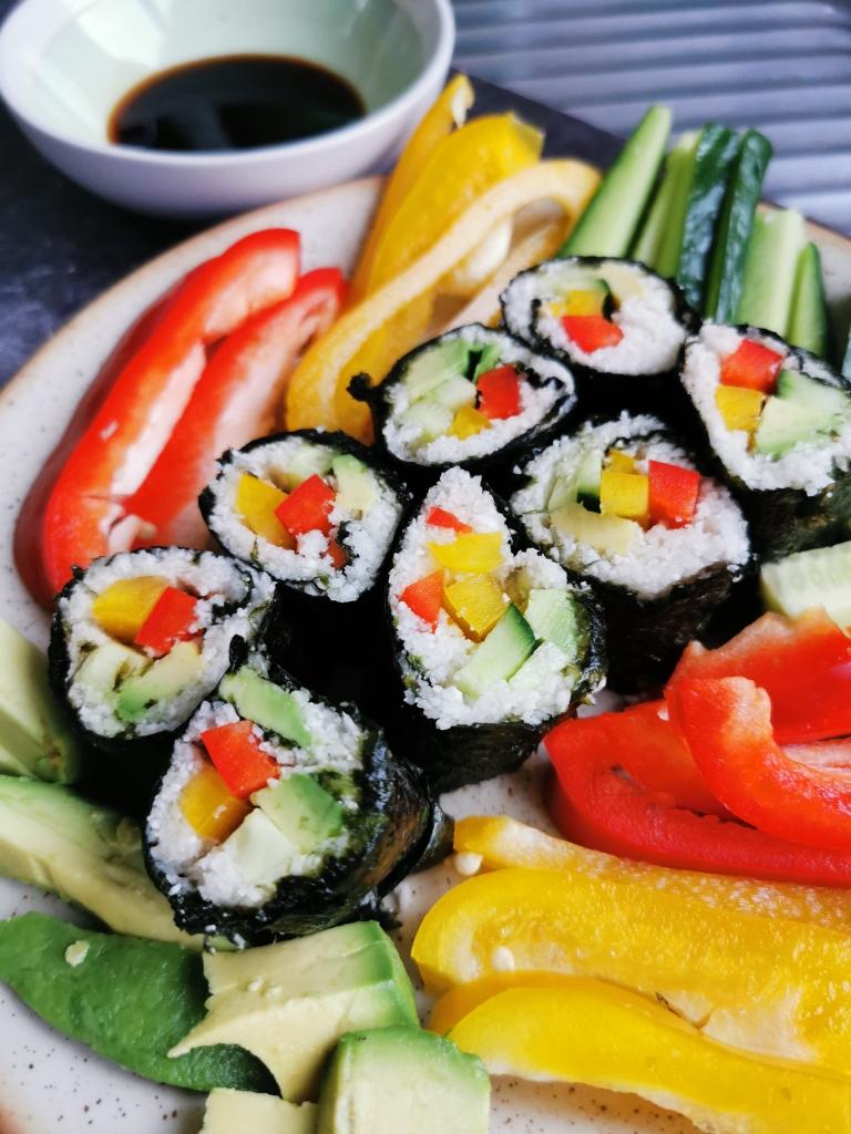 zoom makis crus au riz de chou-fleur vegan et sans gluten médical médium compatible