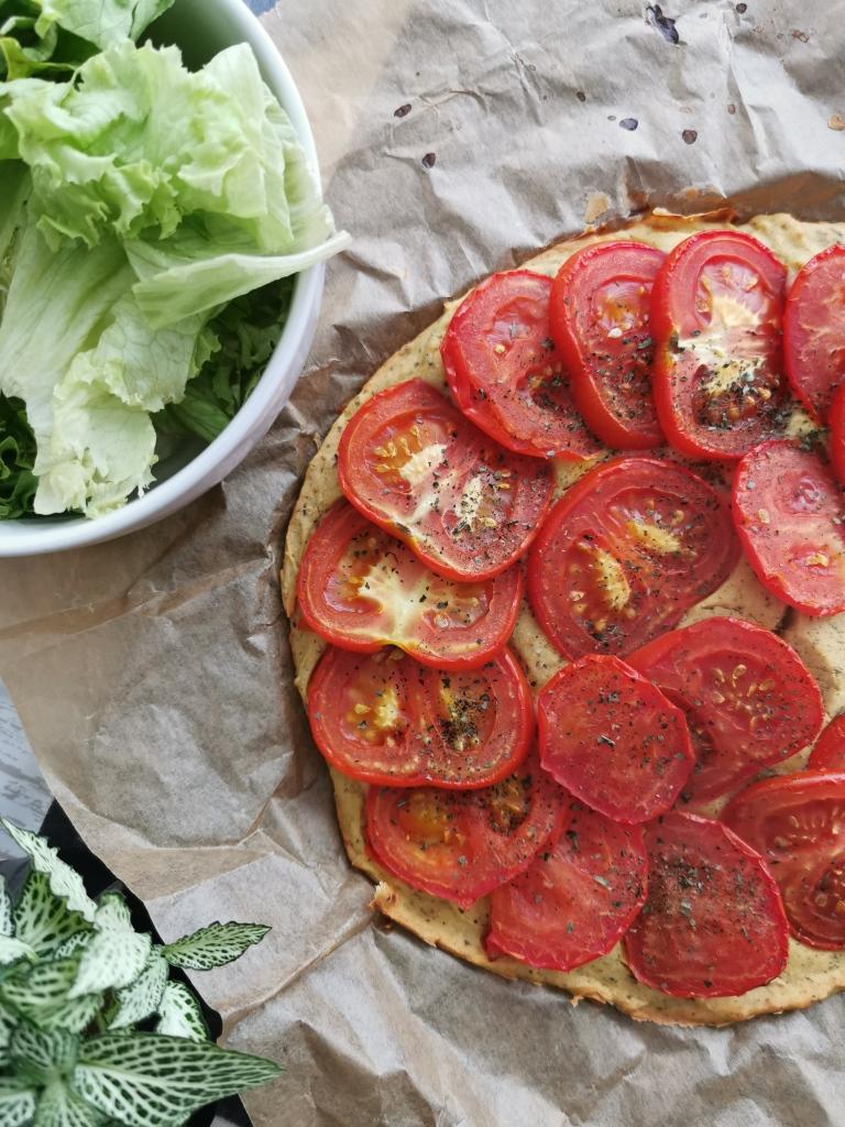 tarte à la tomate socca sans gras vegan et sans gluten médical médium compatible