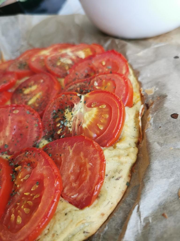 zoom tarte à la tomate socca sans gras vegan et sans gluten médical médium compatible