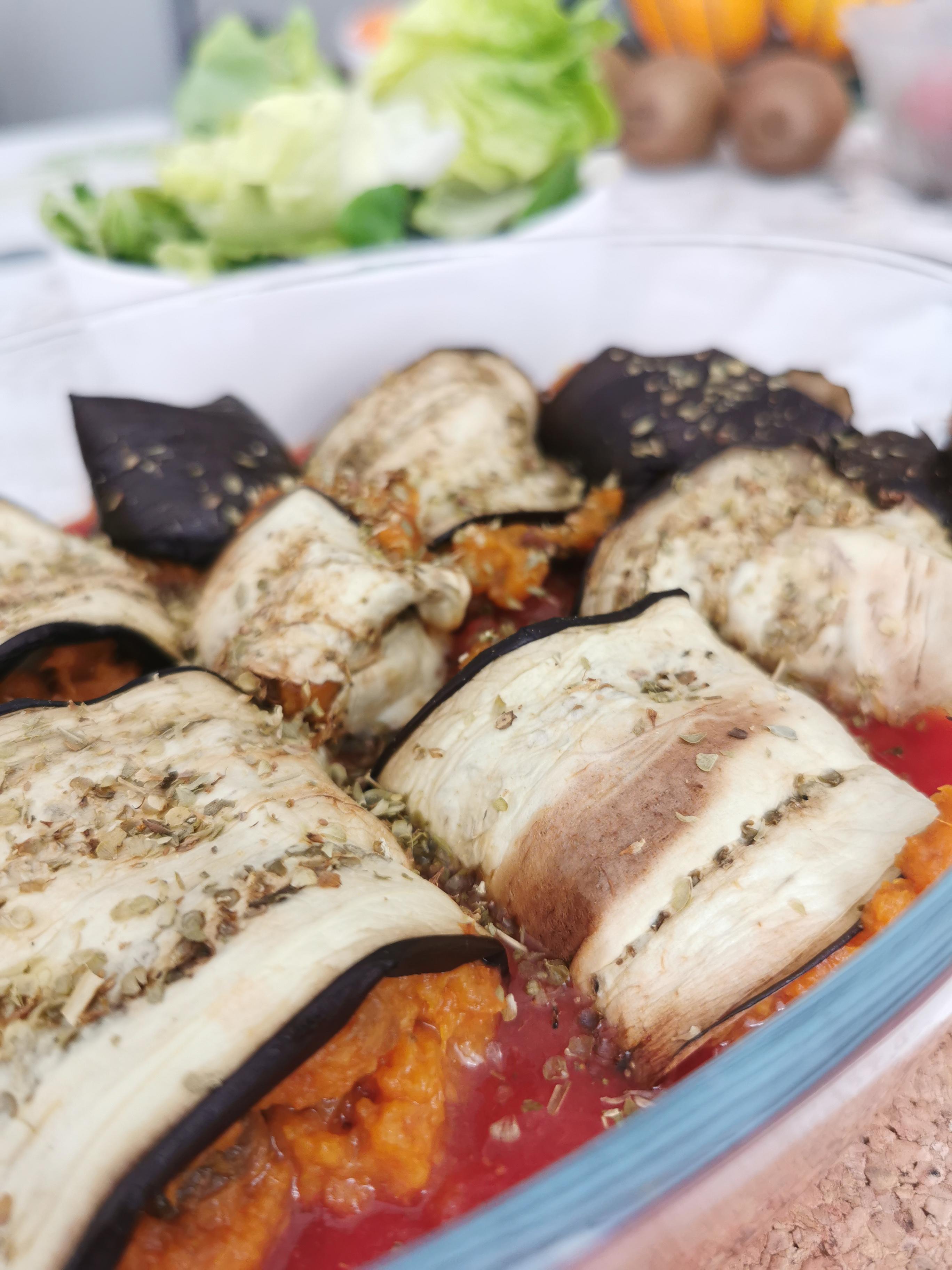 gros zoom rouleaux d'aubergine à la patate douce vegan et sans gluten médical médium compatible
