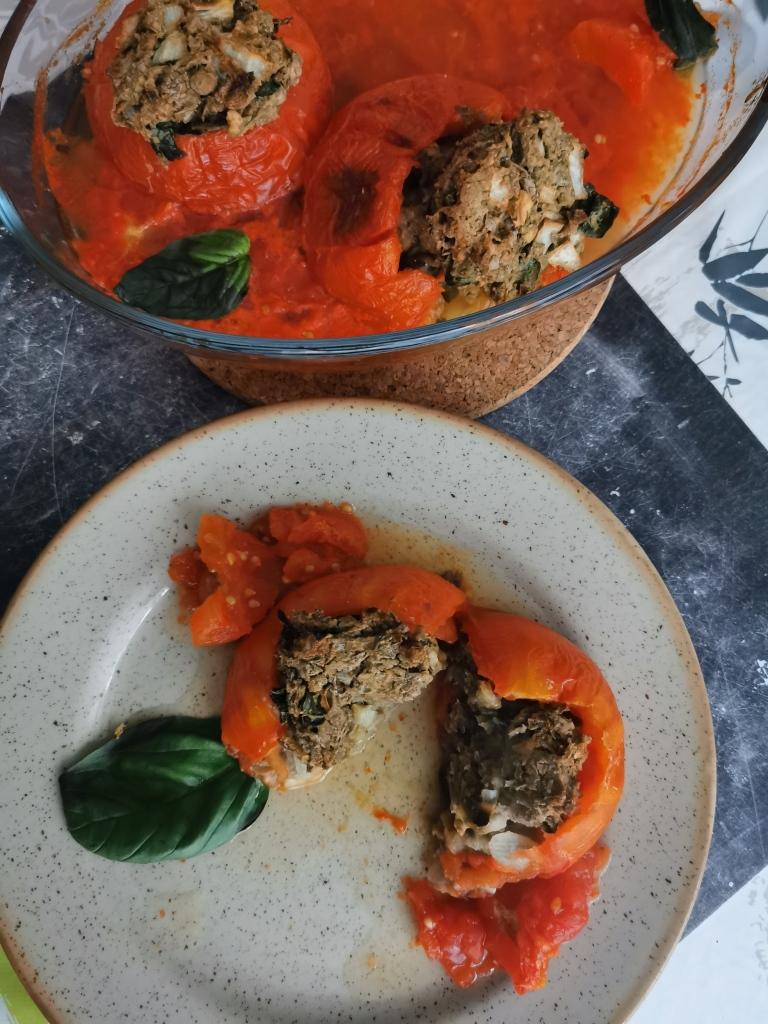 découpe tomate farcies au steak de lentilles vegan et sans gluten médical médium compatible