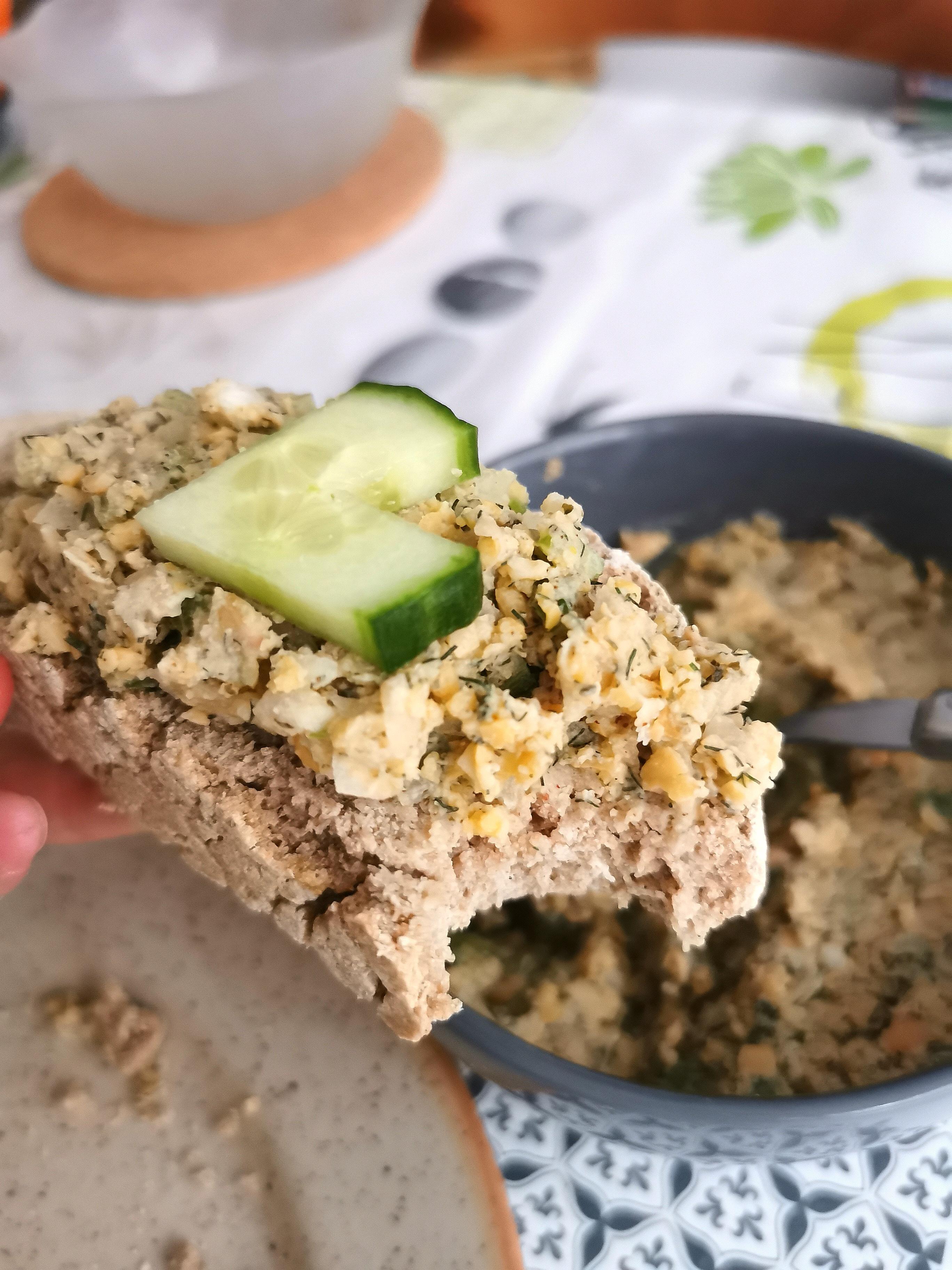 """tranche de pain sans gluten avec """"thon"""" vegan au pois chiche médical médium"""
